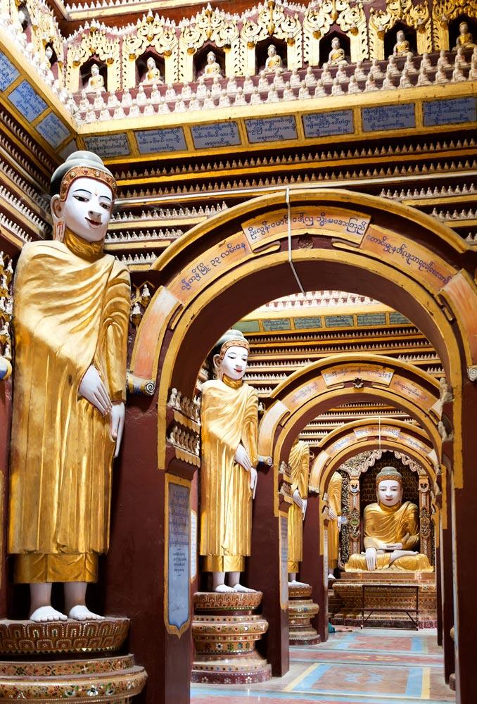 Interieur van de Thanboddhay-tempel in Myanmar, rondreis, bezienswaardigheden, Birma