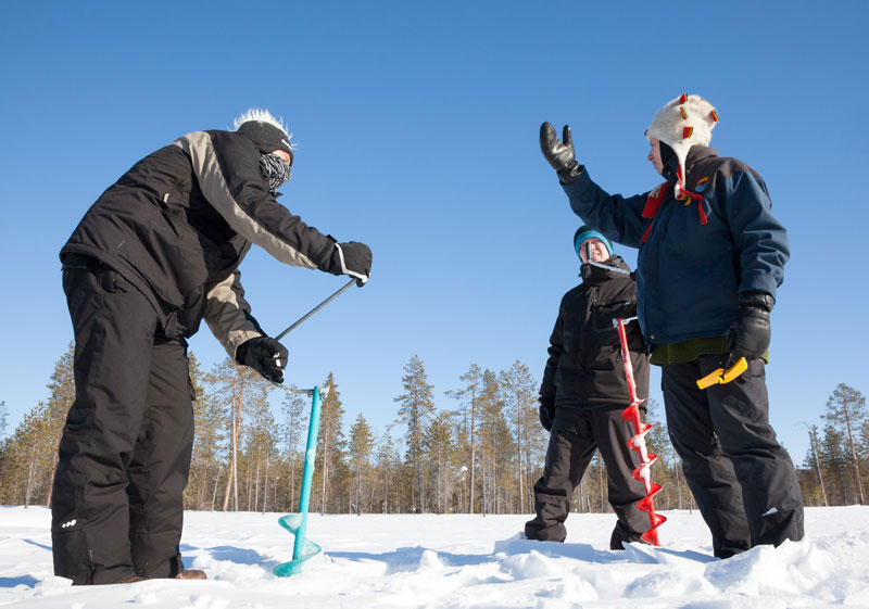 Wintersport in Lapland: rendierraces en ijsvissen