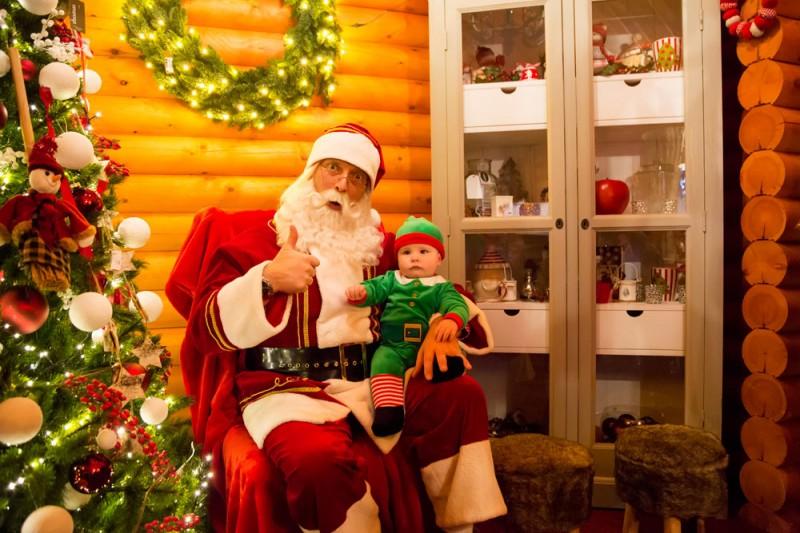 Huis van de kerstman, Winterland, kerskmarkt, Hasselt, Belgie