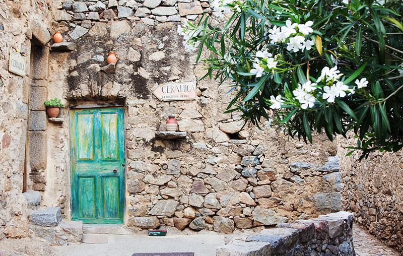 Kunstenaarsdorpje Pigna, Corsica