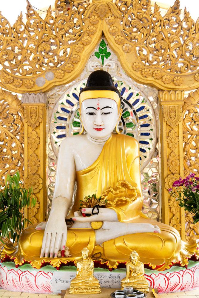 Kuthodaw-Paya tempel in Mandalay, Myanmar, Birma