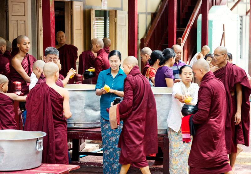 Mahagandayon klooster in Mandalay, Myanmar