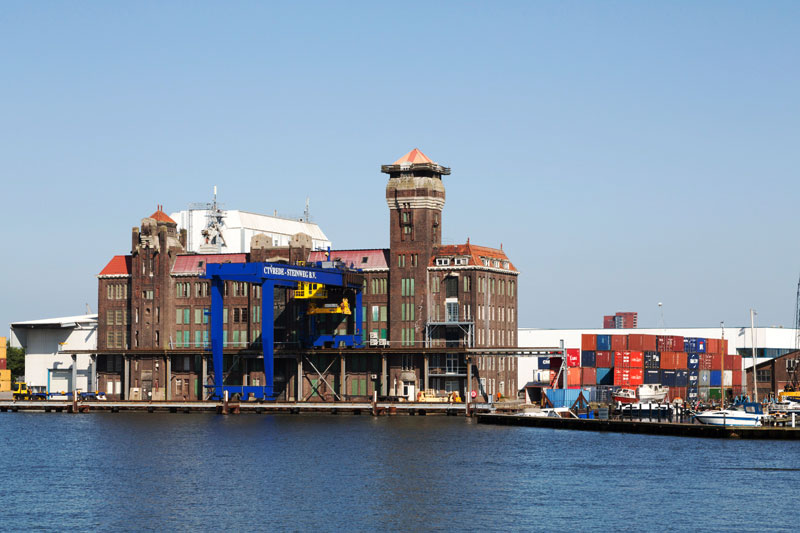 Varen van Zaandam naar Amsterdam en terug