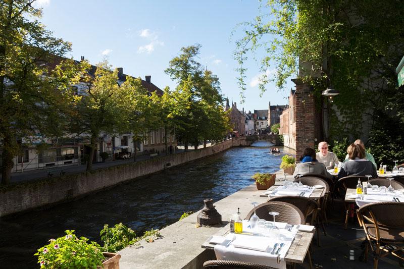 Lunchen bij Pergola Kaffee in Brugge, Belgie