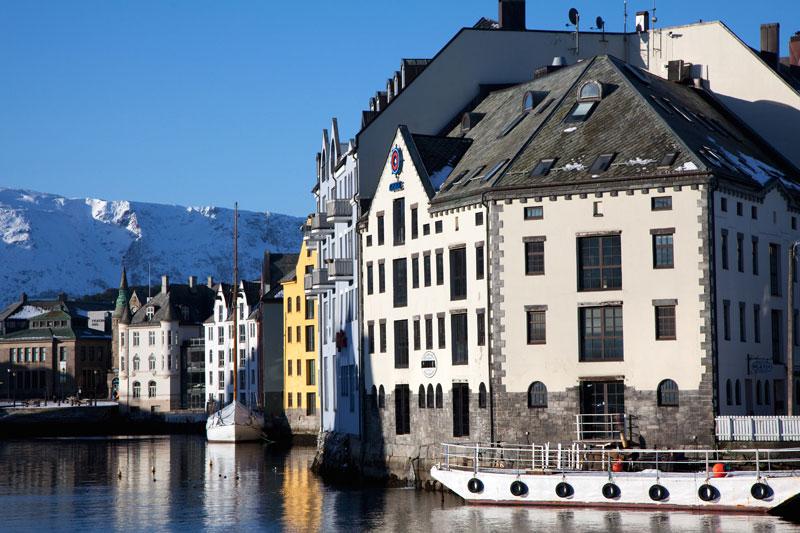 Het bezoek waard, de Art Nouveau-stad Alesund, Noorwegen.