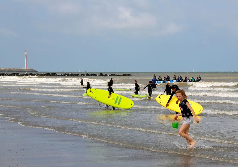 Beachclub Twins in Bredene voor sportieve activiteiten in zee en op het strand.
