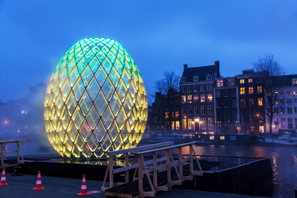 Amsterdam Light Festival, een jaarlijks terugkerend festival met licht-sculpturen