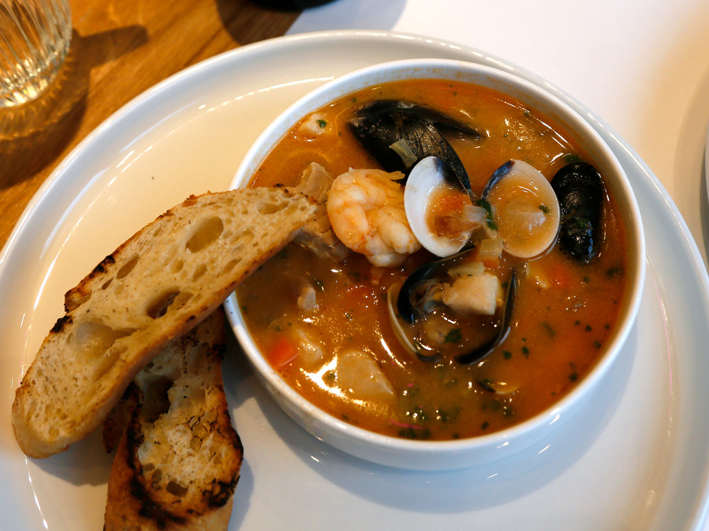 Stedentrip Groningen: aanrader, de bouillabaisse in restaurant The Pool