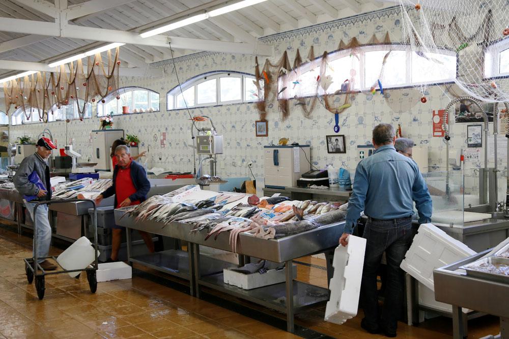 De oude markthallen in Cascais, Portugal