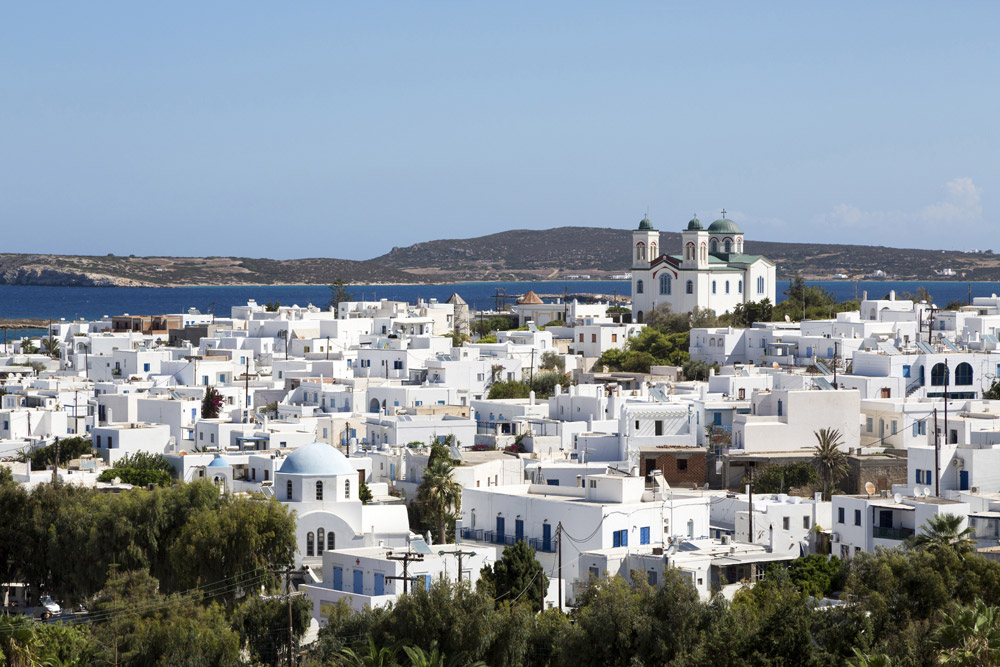 De skyline van Naoussa, Paros, Cycladen, eilandhoppen Griekenland