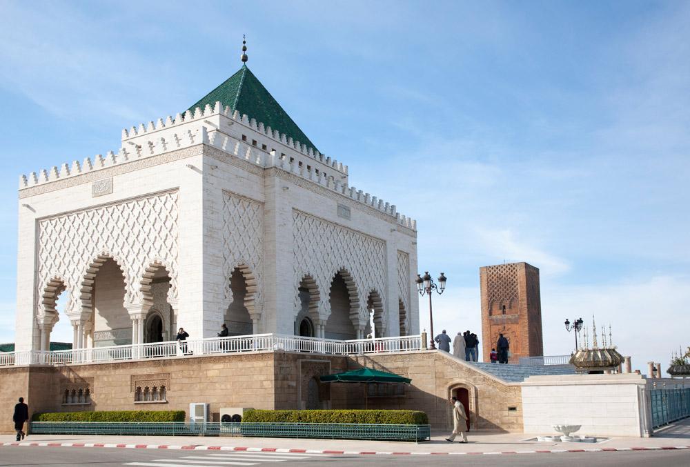 In het mausoleum ligt o.m. het lichaam van koning Mohammed V, Hassan Complex, Rabat, Rondreis Marokko, koningssteden, camperrondreis,