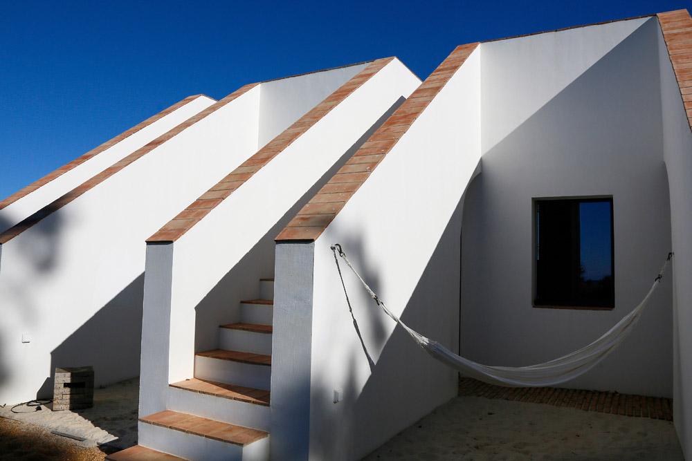 Iedereen heeft een eigen hangmat, designhotel Algarve Portugal