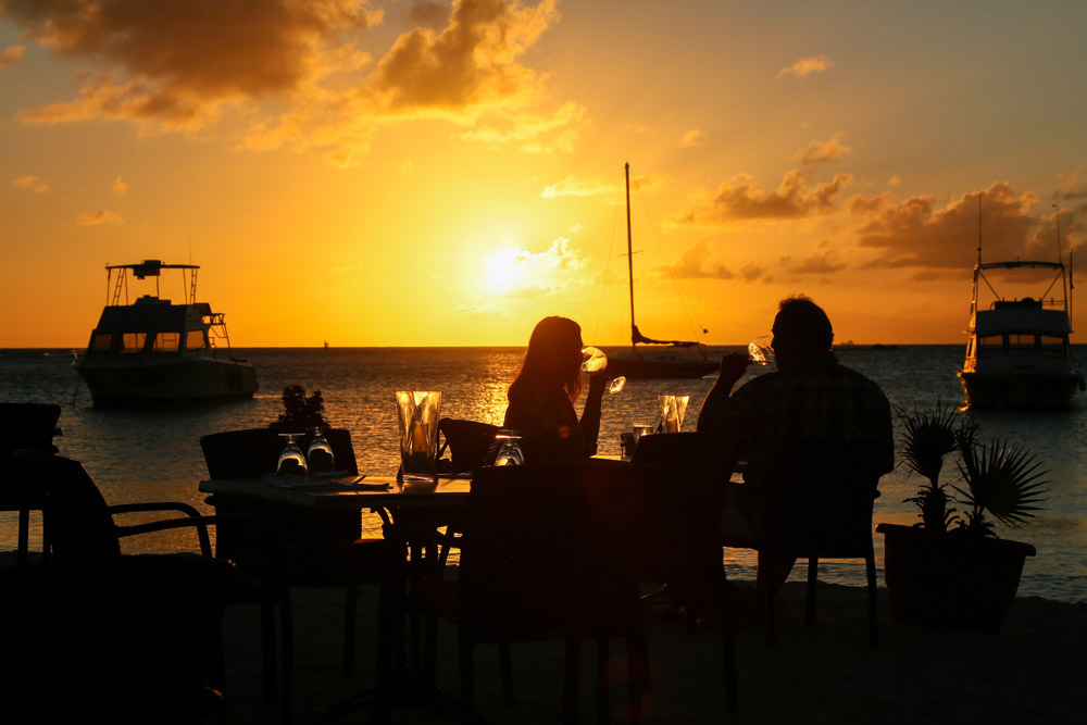 Sunset bij restaurant Barefoot, Eat Local Restaurantweek Aruba