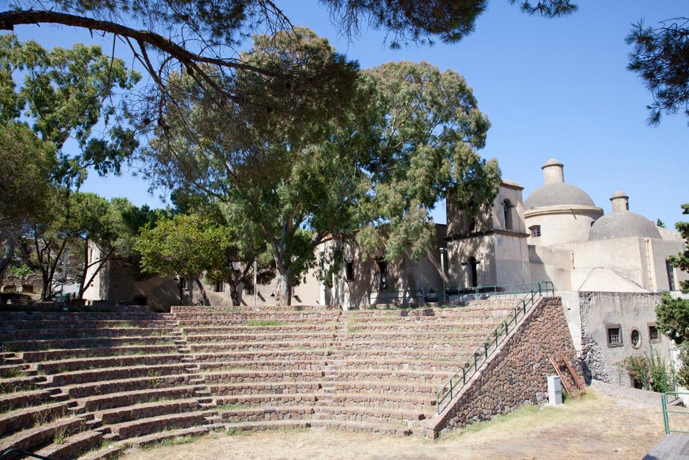 In het Parco Archeologico op Lipari is het verleden tastbaar, Eolische eilanden, Lipari eilanden, Italie