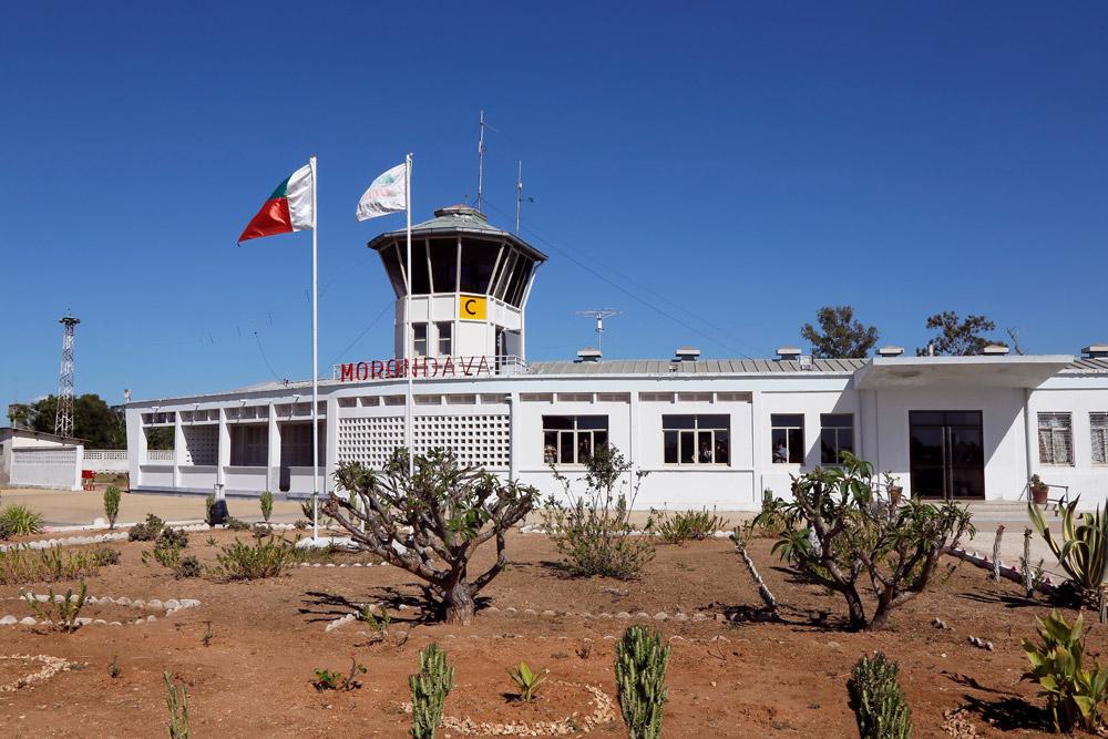 Het vliegveld van Morondava, Madagascar, Madagascar, Madagaskar