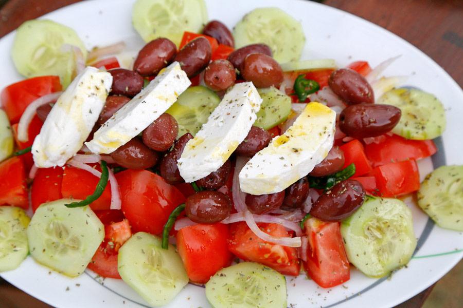 Kookles: de perfecte Griekse salade, vakantie Griekenland, Socrates Organic Village