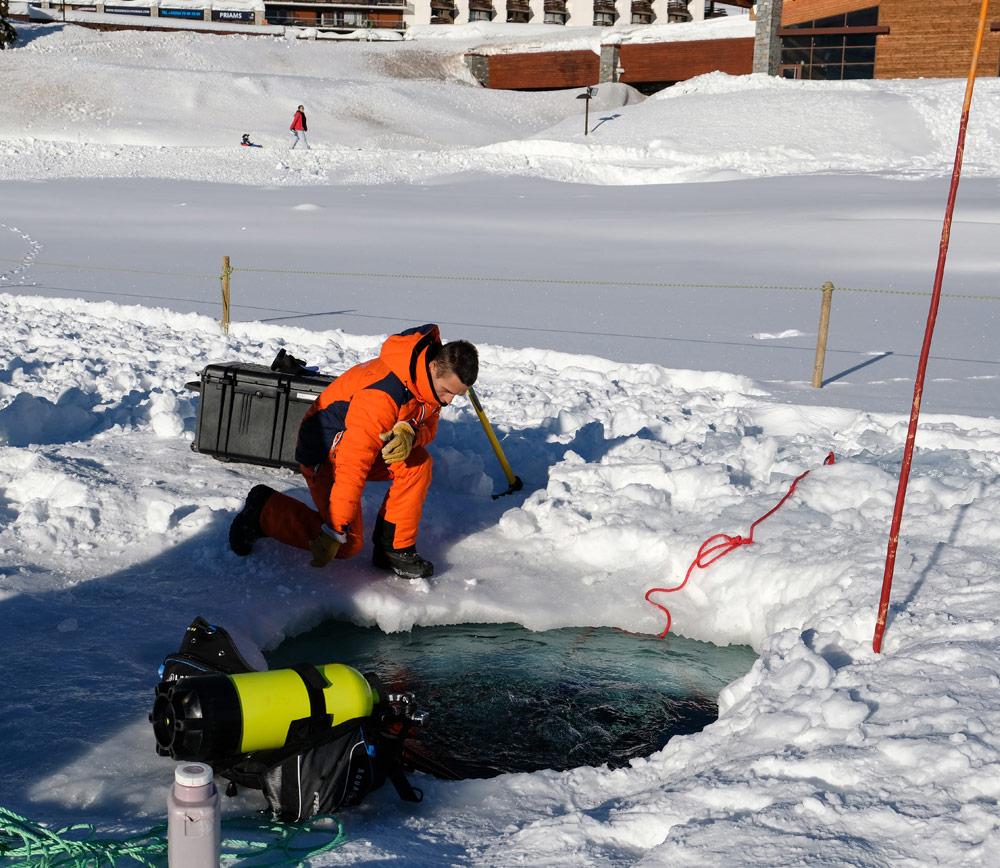 De begeleiding is super tijdens het ijsduiken in Tignes, Wintersport Tignes - Val d'Isere, Frankrijk, skigebied