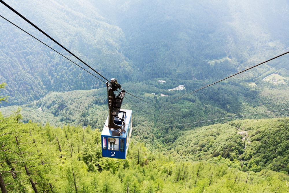 De kabelbaan naar Velika planina in Slovenie, nabij de stad Kamnik