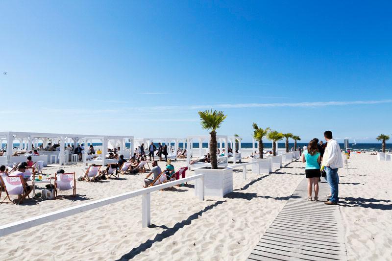 Het strand van Warnemunde is dé plek voor een koele duik in de Oostzee - Duitsland - Oostzee - Warnemunde -