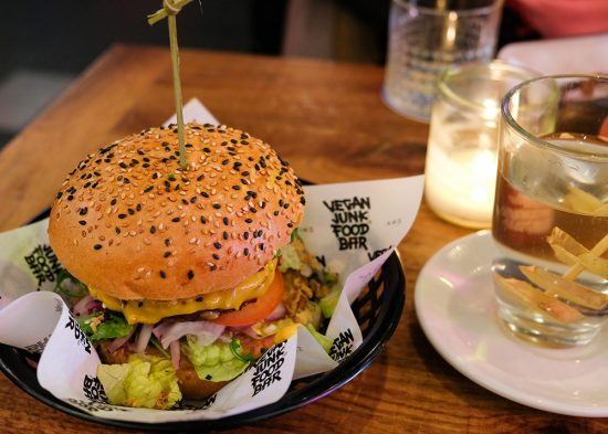 Vegan / vegetarisch fast food restaurant Vegan Junk Food Bar in Amsterdam