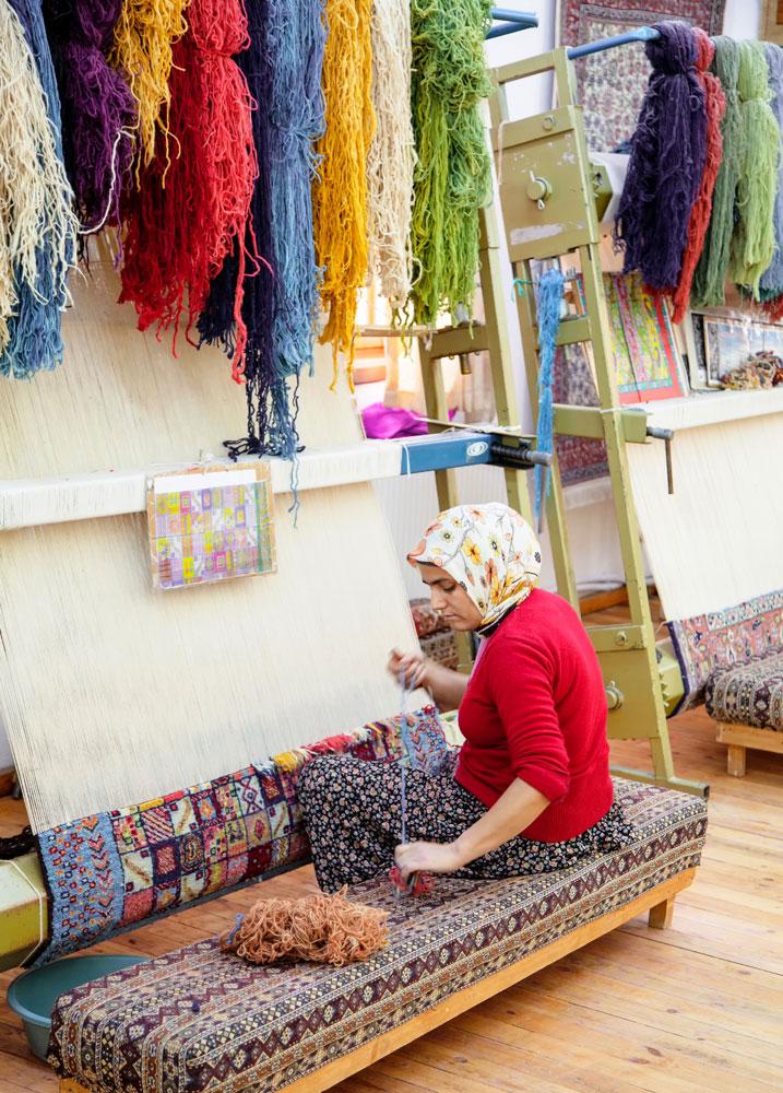 Verplichte excursie: de tapijtknoopster - goedkope vakantie Turkije - rondreis van Antalya naar Cappadocie - visum Turkije