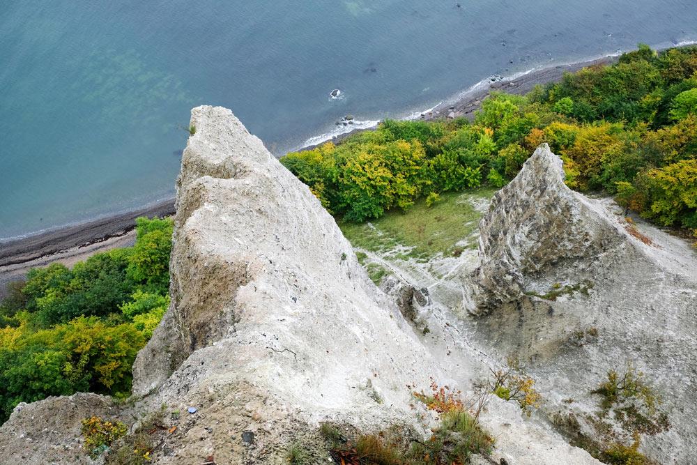 De witte kliffen in Jasmund op Rugen, Duitsland. Rondreis Duitse Oostzee, van Darss naar Rugen via Stralsund, Duitsland
