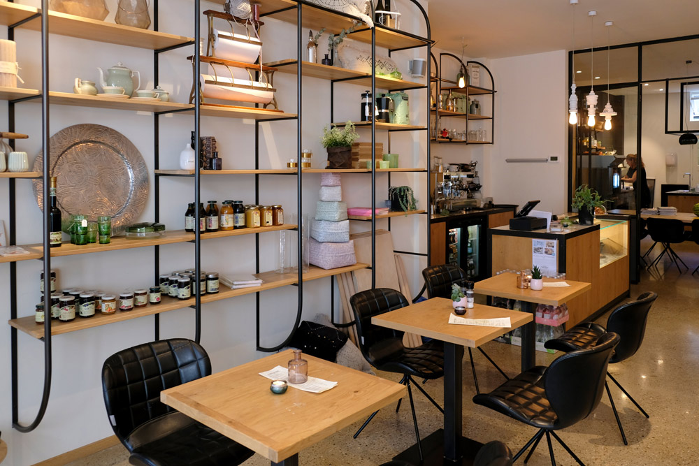 Eten en shoppen bij restaurant Puro in Delft. Stedentrip Delft, hotspots en bezienswaardigheden rond de Voldersgracht