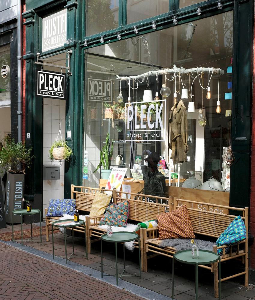 Pleck aan de Voldersgrcaht in Delft. Stedentrip Delft, hotspots en bezienswaardigheden rond de Voldersgracht