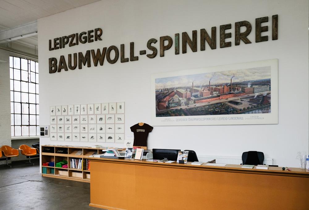 Voor kunst en creativiteit ga je in Leipzig naar de Baumwoll Spinnerei. Interrail voor volwassenen, treinreis, treinreizen, interrailen