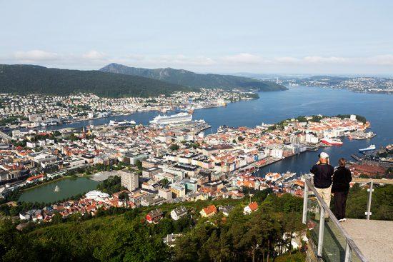 Met de Floibanen de hoogte in voor een mooi uitzicht over Bergen, Noorwegencruise