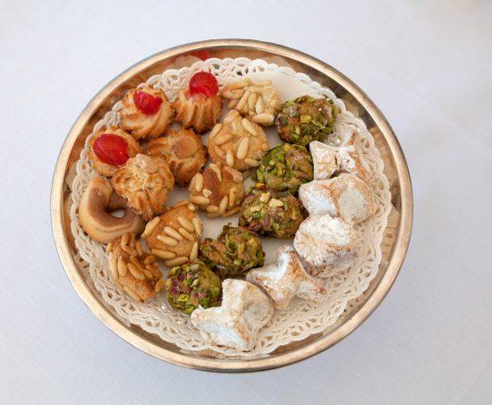 Even genieten van bijzondere koekjes. Rondreis Sicilie, Italie, bezienswaardigheden en hotspots, wat te doen