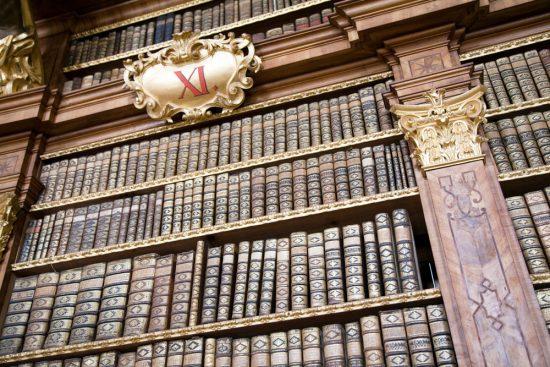 De bibliotheek in het klooster van Melk. Riviercruise Donau. De Donaucruise doet onder meer Wenen, Bratislave, Melk, Passau, en Boedapest aan