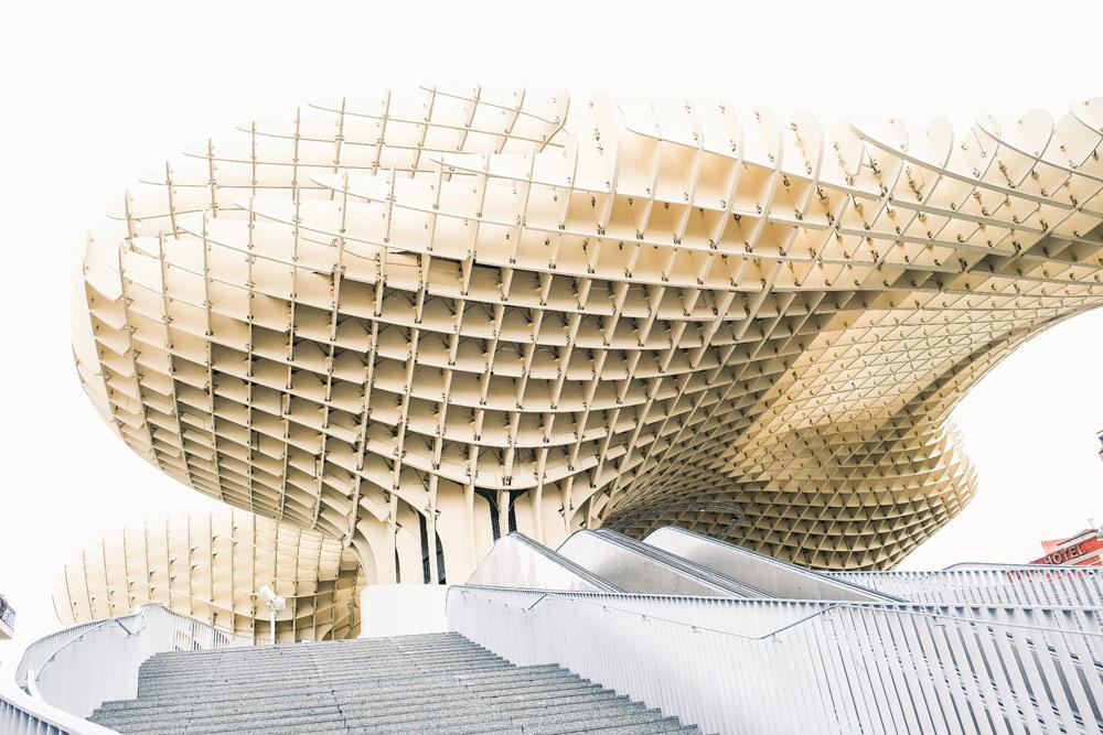 Loop zeker een rondje over de Metropol Parasol in Sevilla. Budgettips Sevilla, Spanje, stedentrip, hotspots