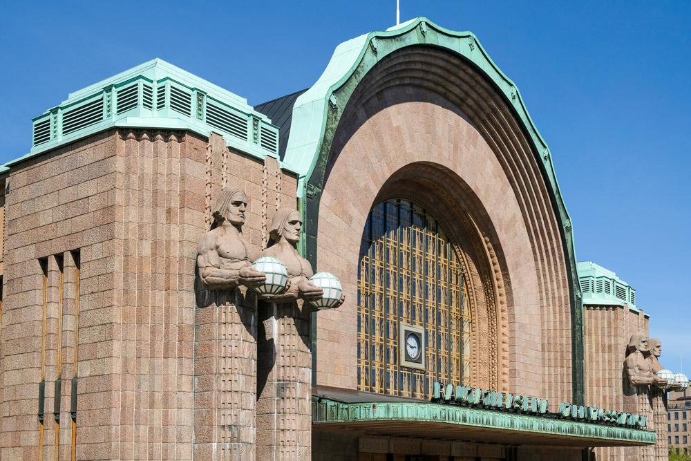 Het indrukwekkende Centraal Station van Helsinki. Cruise Baltische Zee, Helsinki, Finland